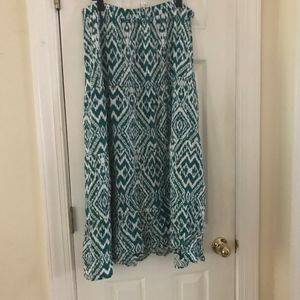 Old Navy Teal and White Printed Maxi Skirt size L